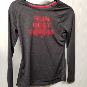 OLD NAVY Active Go- Dry Long Sleeve Shirt Size XS